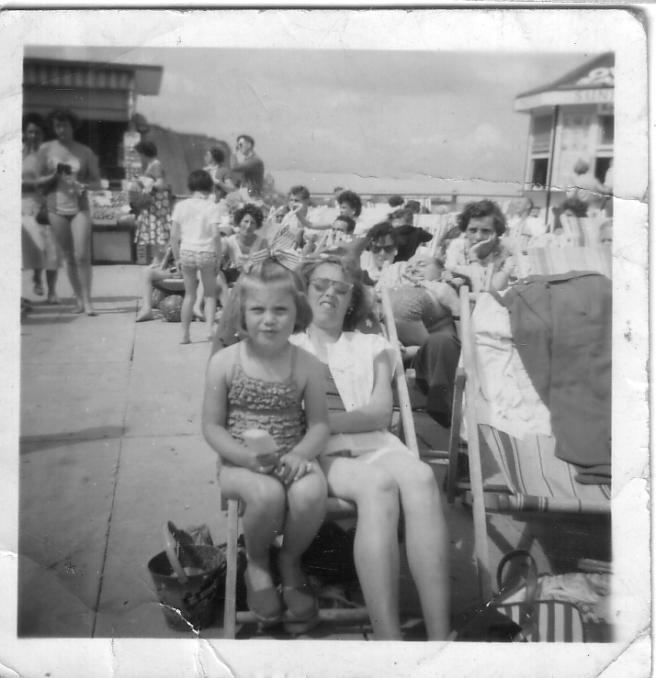 Mum lyn beachfront